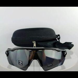 Brand New Authentic Oakley Sunglasses OJ9001